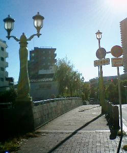 http://www.digistats.net/image/2007_11/makura.jpg