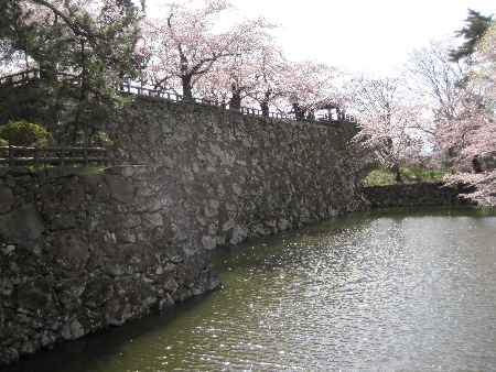 http://www.digistats.net/image/2010/05/hirosaki3.jpg